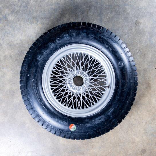 Cross ply tyre rear